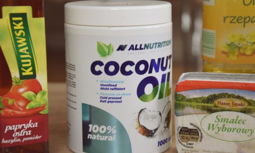 Olej kokosowy, rzepakowy czy oliwa z oliwek? Olej w sprayu, płynie czy kostce. Na czym najlepiej smażyć
